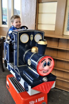 noah toy train